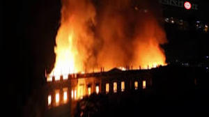 Fire ravages Rio National Museum. In its rooms the skull of Luzia - Repubblica.it